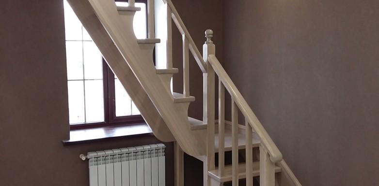 Лестница с люком на чердак